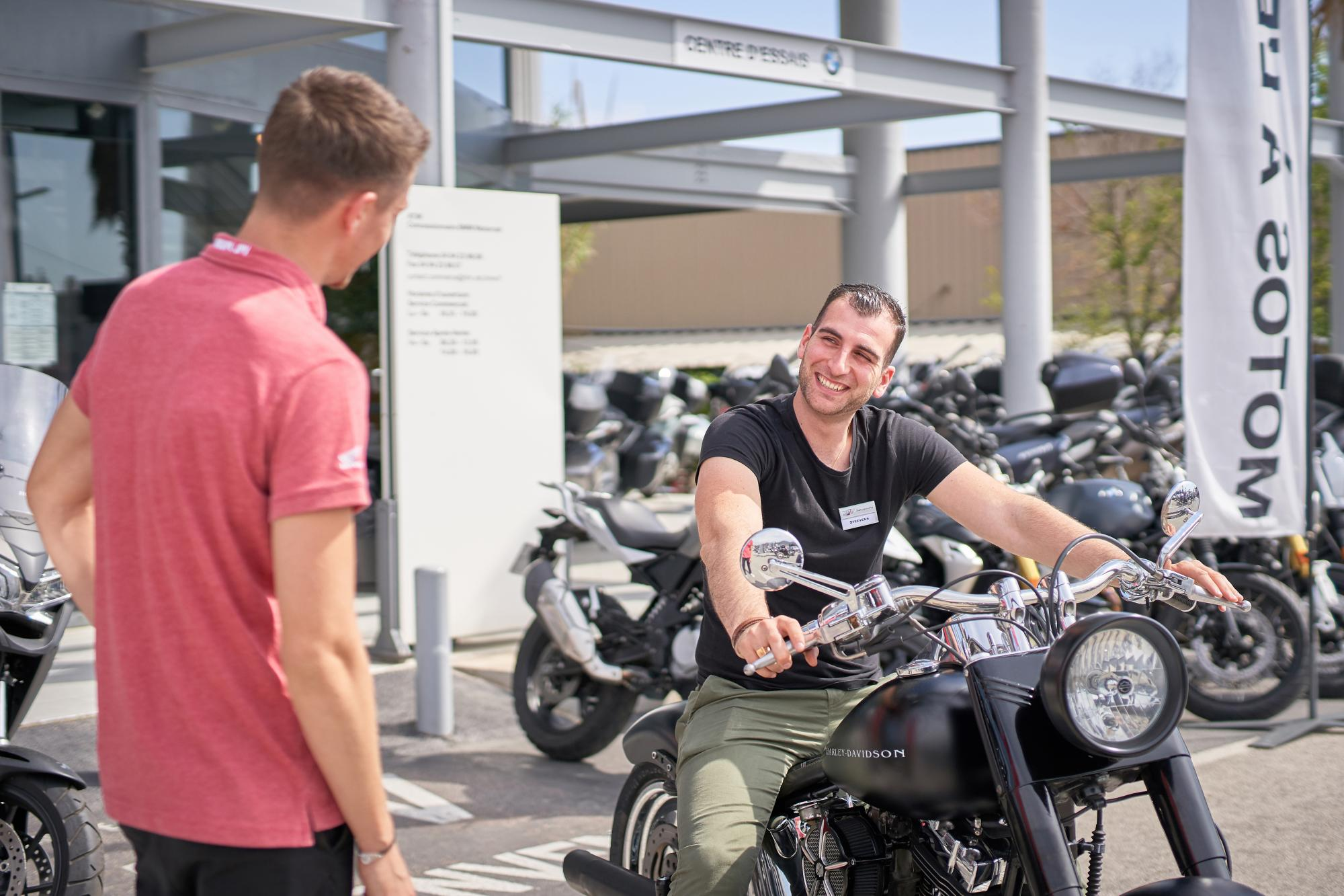 HONDA motos accueil clients Toulon